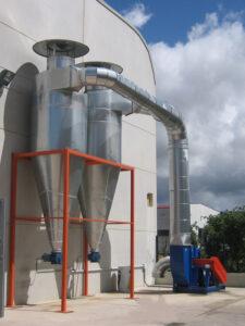 Filtros ciclónicos o ciclofiltros decantadores de polvo con limpieza por aire comprimido